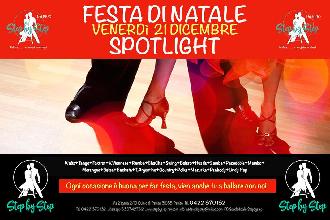Invito per la festa danzante di Natale del 21 dicembre 2018 alla scuola di ballo Step by Step di Treviso.