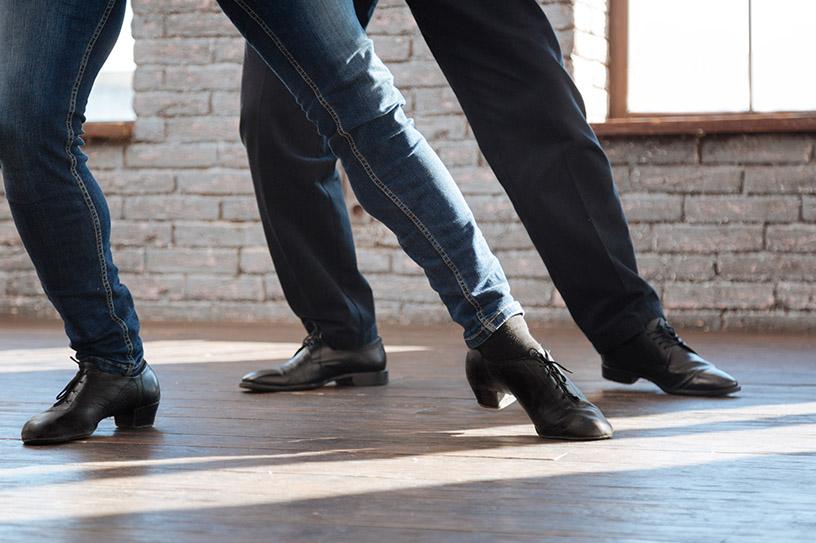 Passi di ballo di una lezione di prova